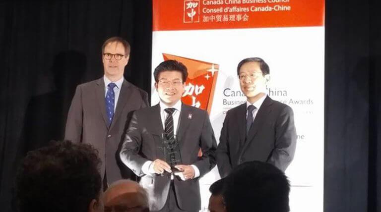 Kheng Ly et son entreprise Brivia Management reçoivent un Prix d'excellence en affaires Canada-Chine
